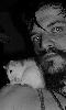 Avatar du rat sur l'épaule - autoportrait